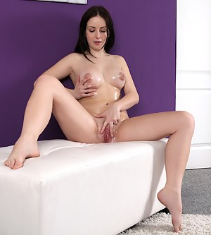 Oiled Girls Porn Pictures
